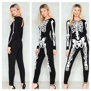 Nastygal NWT No-body's fool jumpsuit size 2